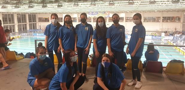 equipo femenino con mascarillas.jpeg